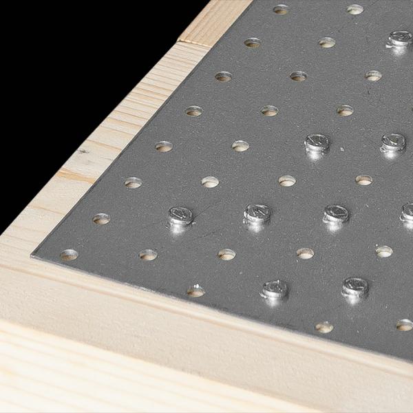 PP9 - destička perforovaná 200x80x2,0 mm 4
