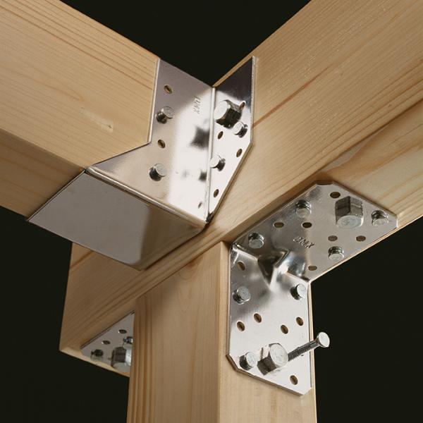 KP4 - úhelník s prolisem 70x70x55x2,5 mm 4